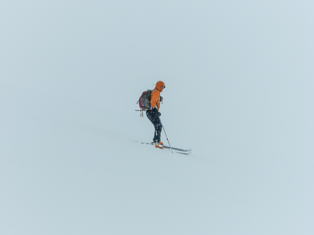 Skiing in whiteness