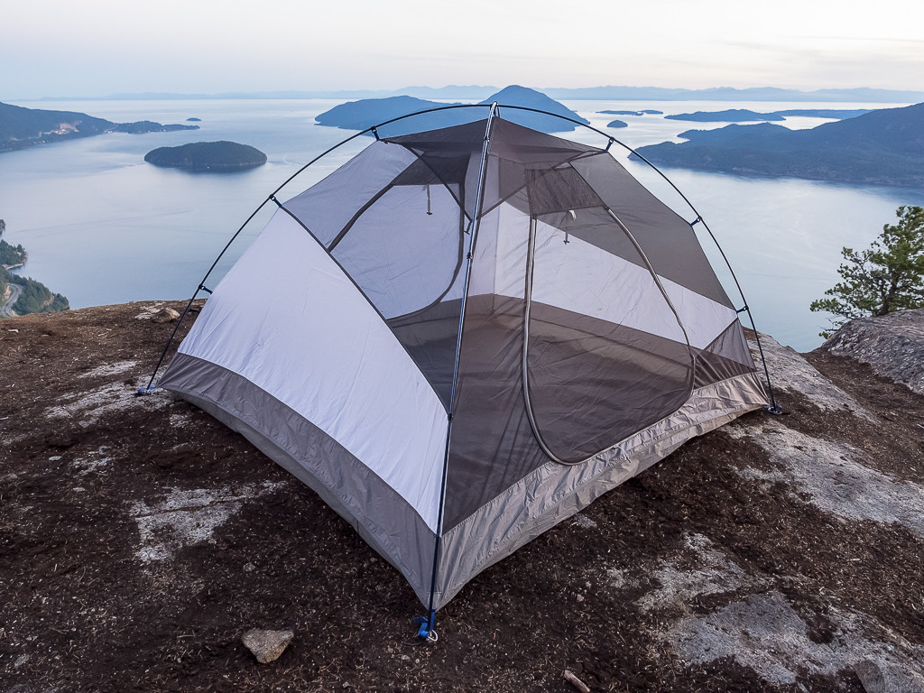 The 50/50 design of the Shifter 3 tent