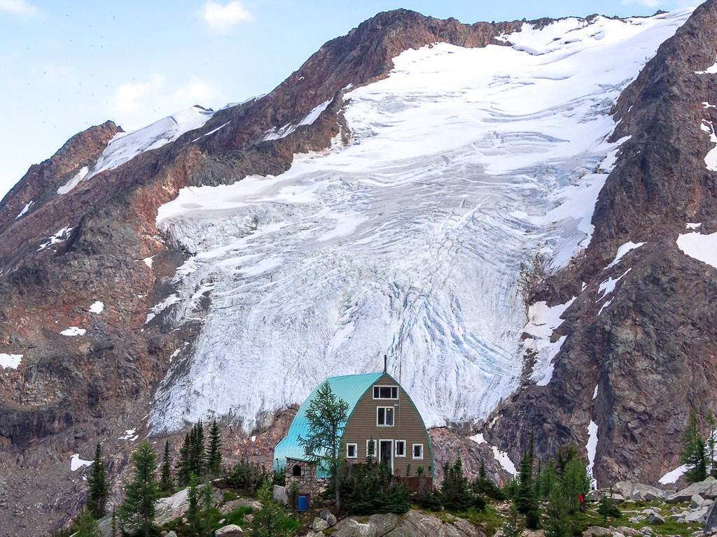 The Conrad Kain Hut with the Anniversary Glacier behind.